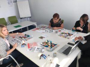 Team JCD formation en pleine réalisation Lego